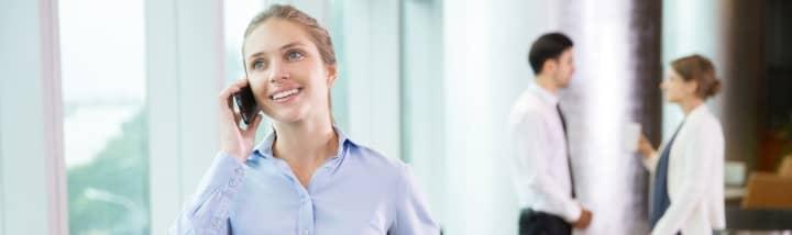 prawnik umawiający się z klientem randki w rezydencji